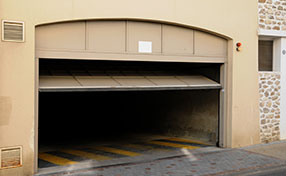Garage Door Emergency Services in Santa Fe